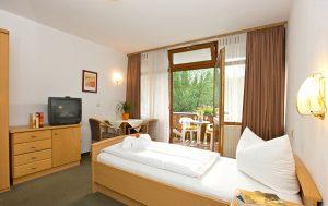 Zimmer in der Fachklinik St. Lukas in Bayern